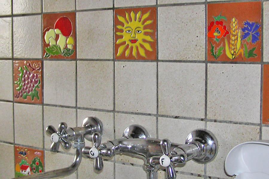 キッチンをデザインタイルで装飾