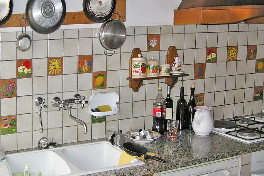 キッチンのかわいいタイルアート