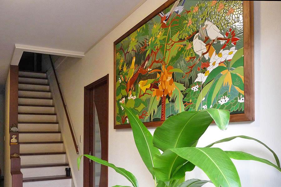 戸建住宅の玄関にタイルアート