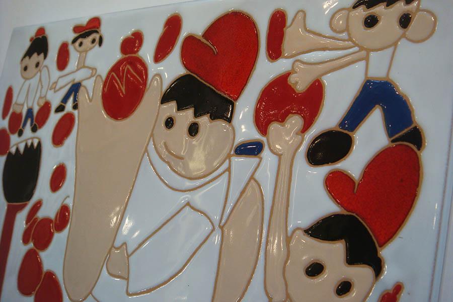 子どもの絵で作るタイル