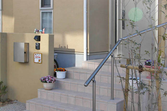 分譲住宅のタイル表札