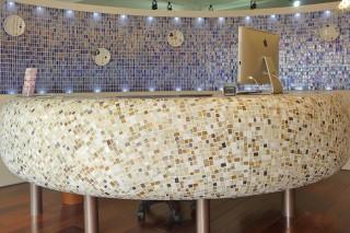 美容室のエントランスの飾り皿