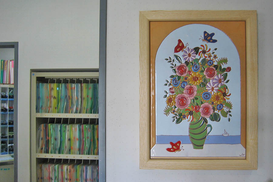 クリニックの受付のタイルアート