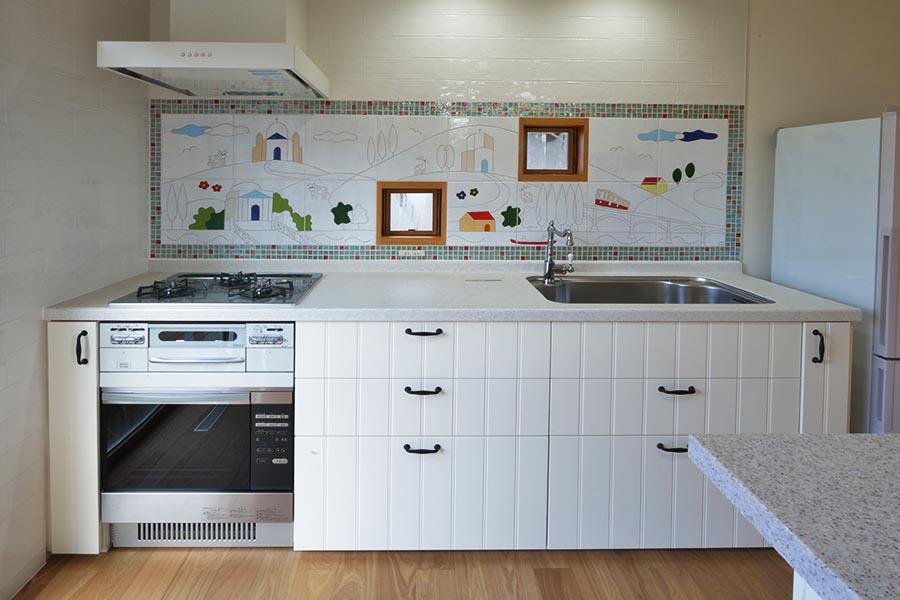キッチンのタイルアートパネル
