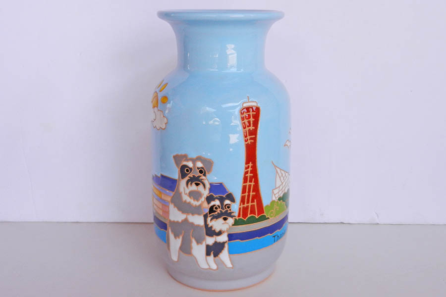 オリジナルデザインの花瓶