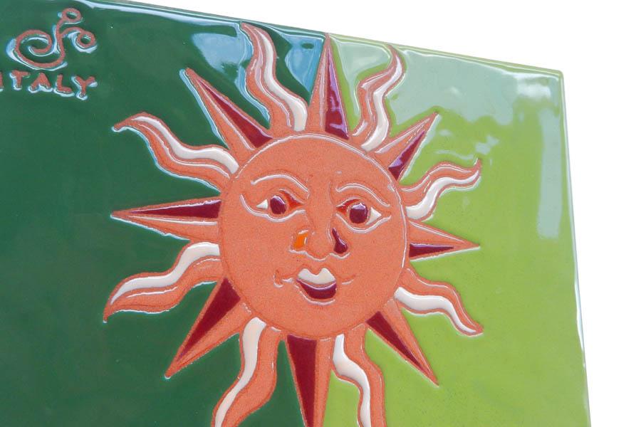 太陽柄の南欧風タイル